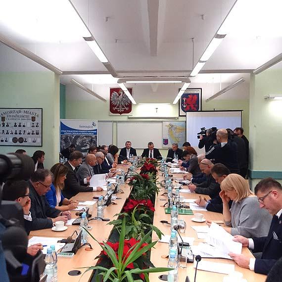 Rada Miasta jednogłośnie za przywróceniem samodzielności Morskiej Stoczni Remontowej w Świnoujściu!