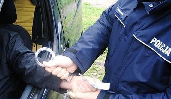 Świadkowie zabrali kluczyki pijanemu kierowcy