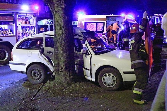 Wypadek z udziałem dwóch samochodów. Policjanci apelują do kierowców o rozwagę