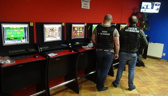 Nielegalny hazard uboższy o kolejne 10 automatów