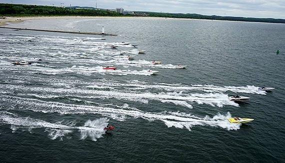 Finał wyścigu szybkich morskich łodzi motorowych - Dziwnów