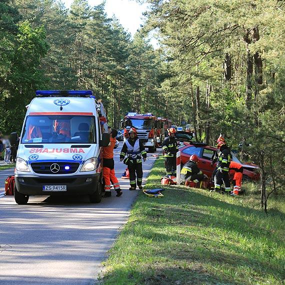 Zderzenie hondy z volkswagenem na Karsiborskiej! 3 osoby poszkodowane! Zobacz film!