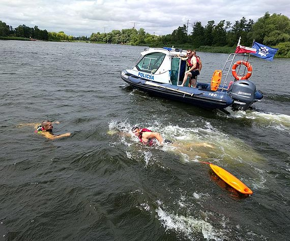 Zadbaj o bezpieczeństwo nad wodą – stosuj się do policyjnych rad…
