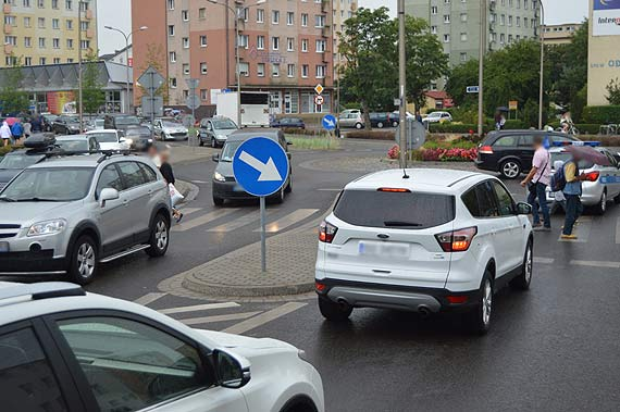 Tunelowy przedsmak, samochody zablokowały miasto