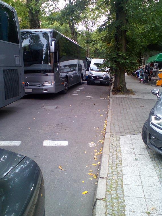 Mieszkanka zwraca uwagę na komplikacje związane z ruchem ulicą Piłsudskiego