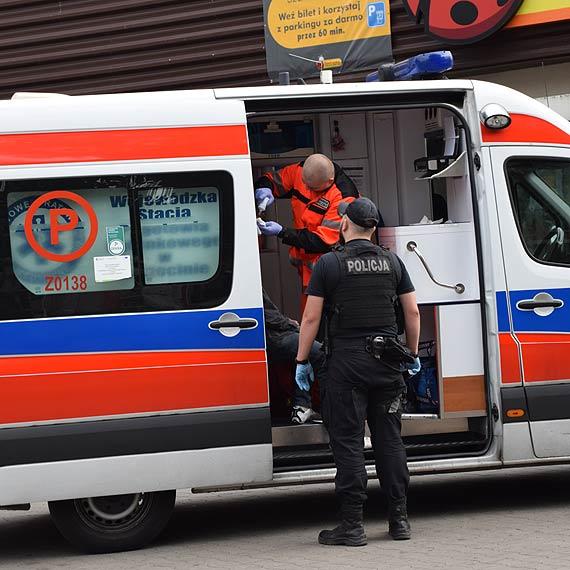 W biały dzień niemal w centrum miasta został pobity człowiek