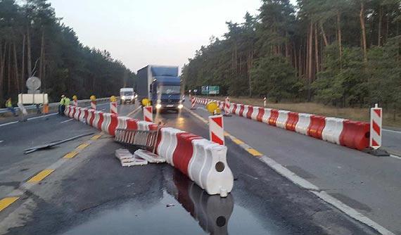 Jedziemy jedną jezdnią na przebudowywanym odcinku autostrady A6