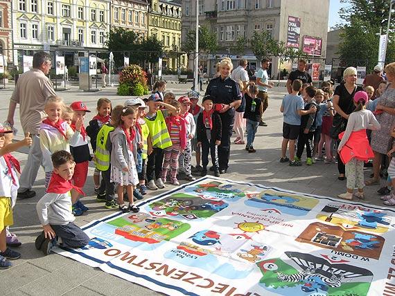 Świnoujscy policjanci włączyli się w obchody Europejskiego Tygodnia Zrównoważonego Transportu