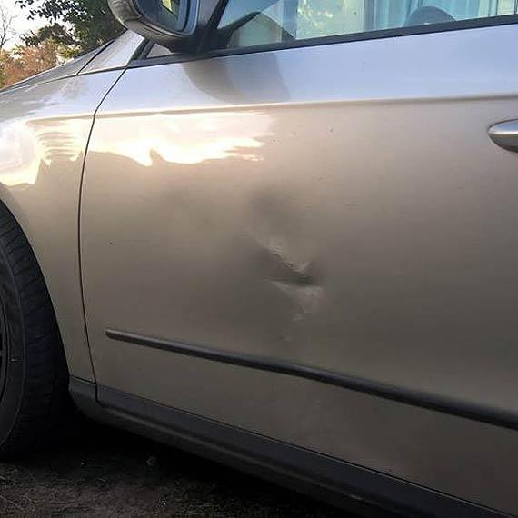 Czytelnik prosi o pomoc w ustaleniu sprawcy uszkodzenia jego samochodu