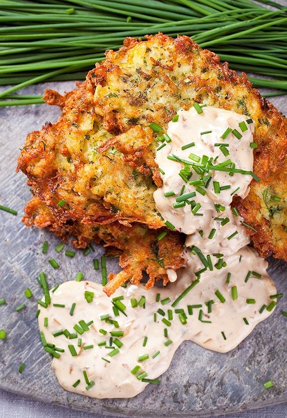 Utarty sposób na ziemniaka: Jak smacznie uczcić Dzień Placków Ziemniaczanych?