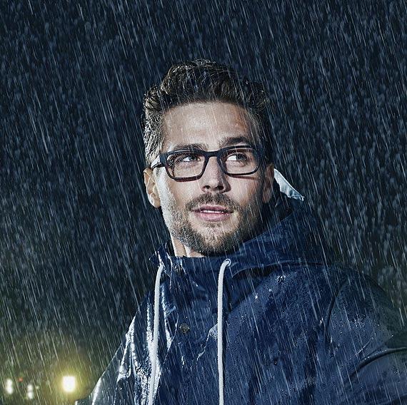 Czeka Cię zakup okularów? Chcesz dokonać właściwego wyboru?  Dowiedz się, co wpływa na jakość okularów i na co warto zwrócić uwagę przed zakupem.