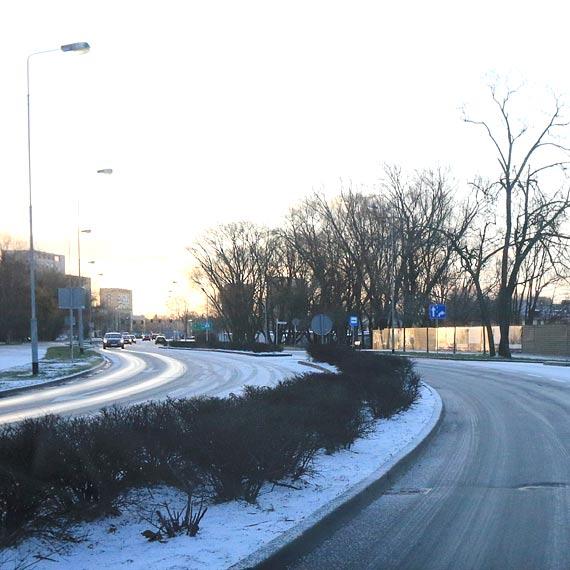 """Mały """"atak"""" zimy i ulice przypominały lodowisko!"""