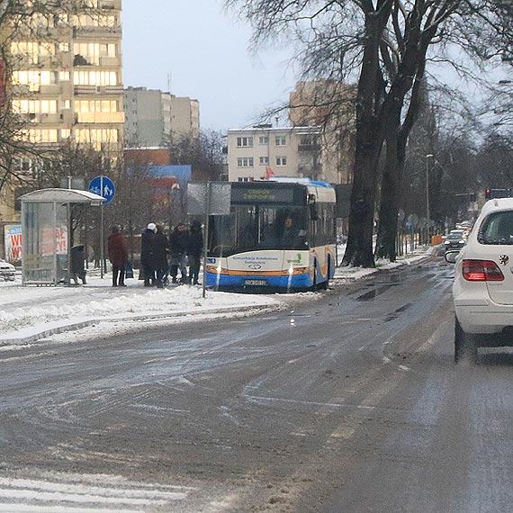 Zmienne warunki na drodze – kierowco uważaj