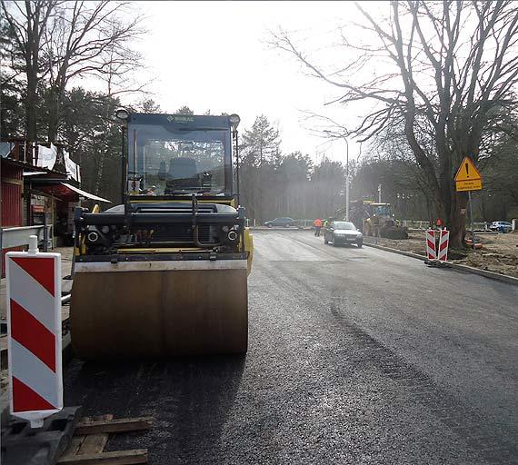 Nowy asfalt na Wojska Polskiego
