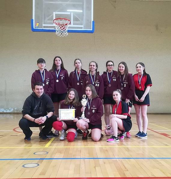 SP 6 z brązowym medalem Mistrzostwa Województwa Zachodniopomorskiego w Koszykówce Dziewcząt