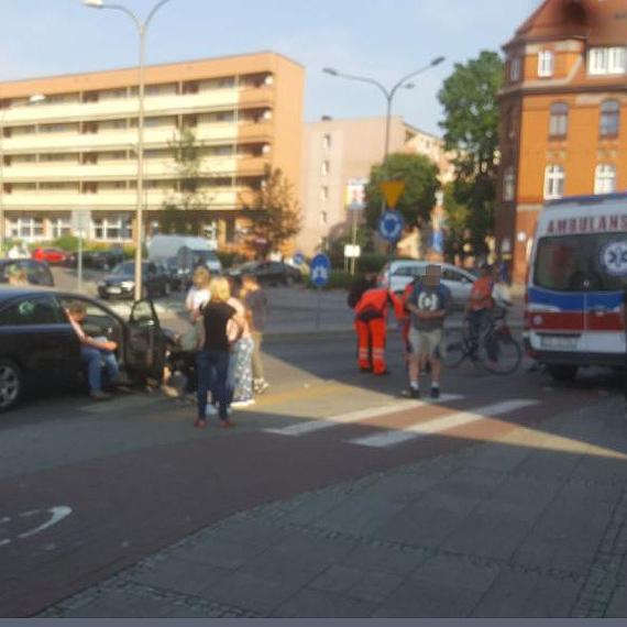 Samochód potrącił chłopca przejeżdżającego przez pasy
