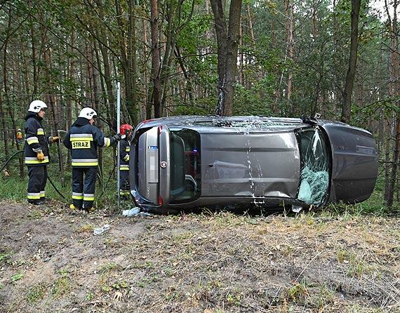 Fiat dachował koło Dargobądza