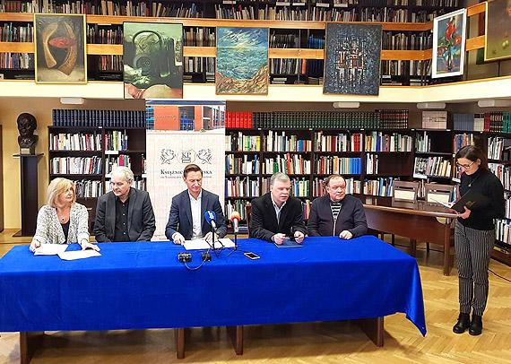 """""""Jantar"""" od 2020. Nagroda Marszałka dla pisarzy"""