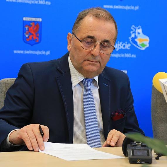Ministerstwo dziękuje Januszowi Żmurkiewiczowi