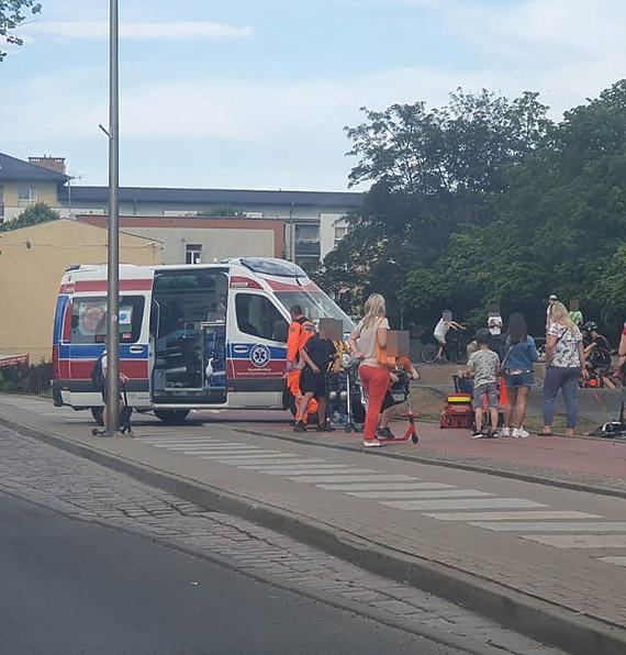 Chłopiec z urazem nogi został przewieziony do szpitala