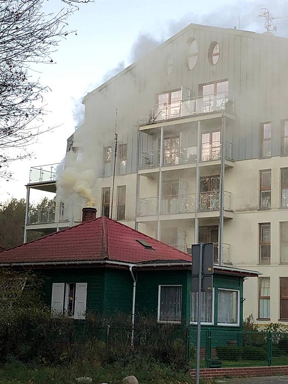 Mieszkaniec: Dymiący komin zatruwa powietrze w rejonie tężni