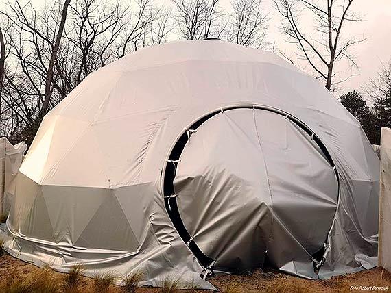 Gdzie się podział namiot osłaniający rośliny ogrodu sensorycznego? - mamy wyjaśnienie