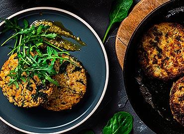 Przepis marki Britta Kotleciki ryżowe ze szpinakiem i suszonymi pomidorami