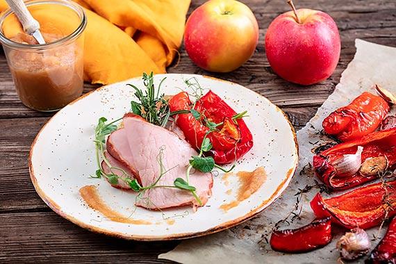 Powitaj jesień kulinarnie! Przygotuj przystawkę ze schabu krotoszyńskiego z pieczoną papryką i musem jabłkowym