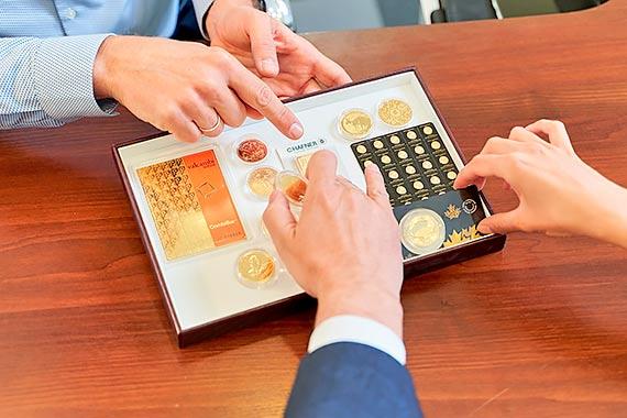 36 proc. zysku w ciągu dekady - złoto utrzymuje wysoką siłą nabywczą jako długoterminowa inwestycja Jak inwestować w złoto aby zmaksymalizować zyski